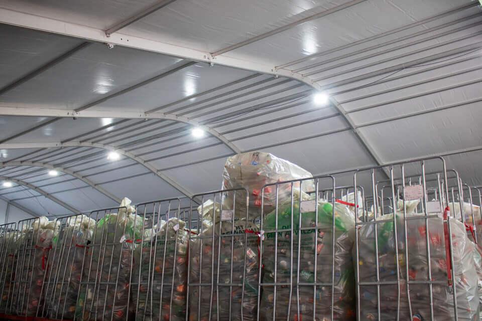 Een werktent huren voor een supermarkt opslag