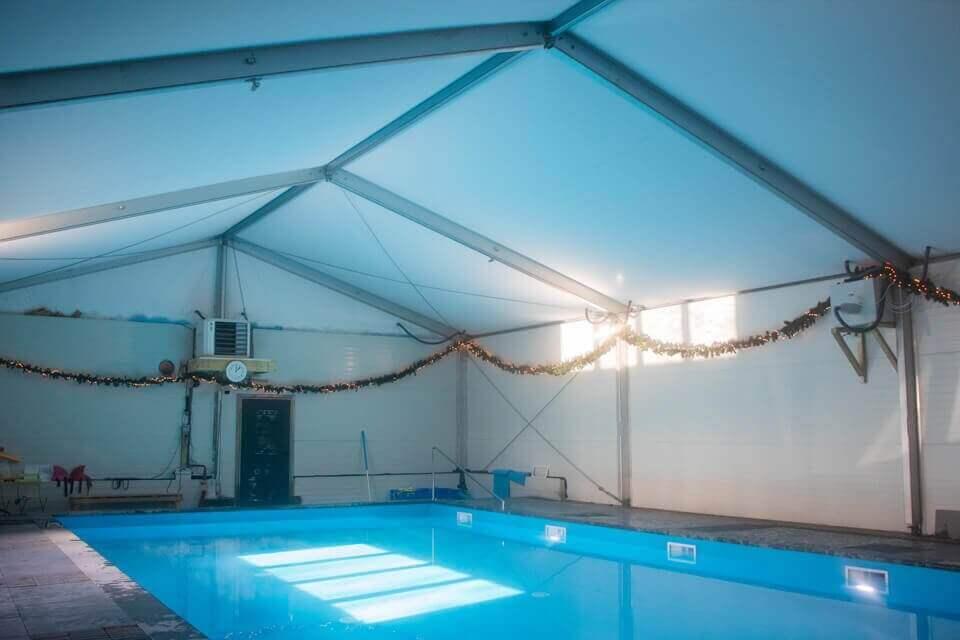 Tent Over Zwembad 2
